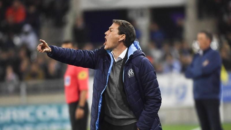 """""""Lyon"""" Blāna vietā nolīgst Garsiju, """"Inter"""" uz vairākiem mēnešiem zaudē Sančesu"""
