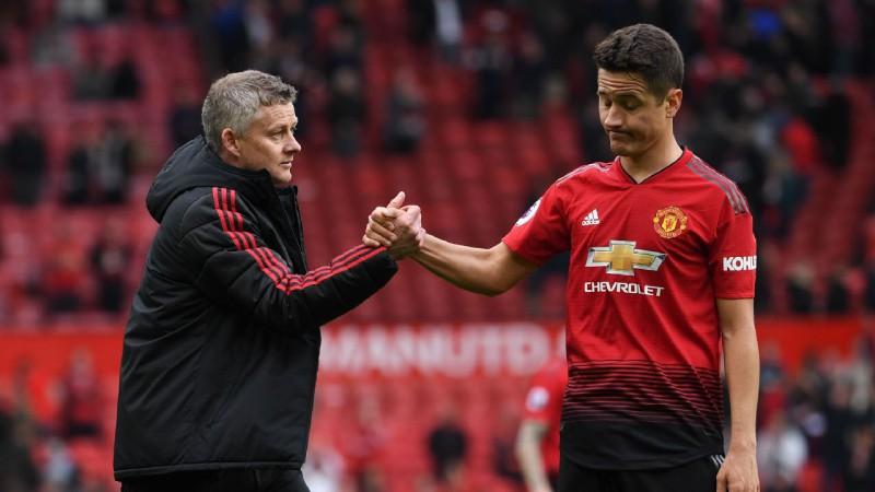 "Oficiāli: Errera pametīs ""Manchester United"""