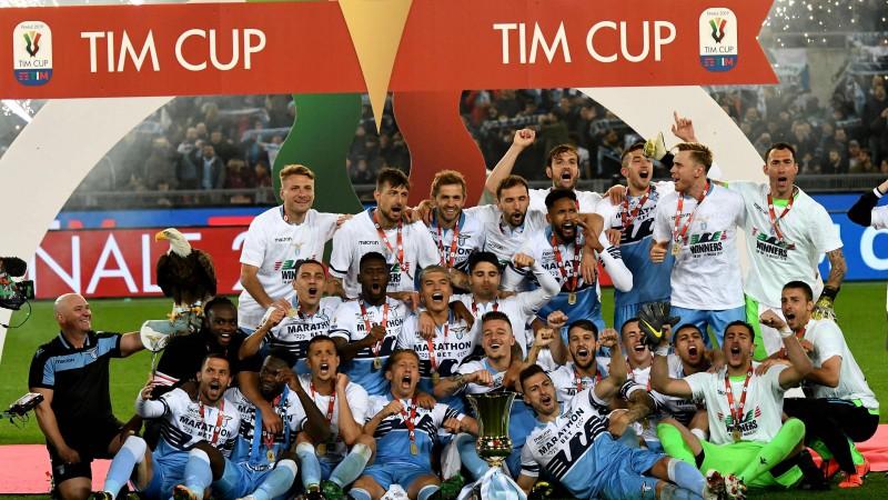 """""""Lazio"""" pēdējās desmit minūtēs iesit divreiz un triumfē Itālijas kausā"""