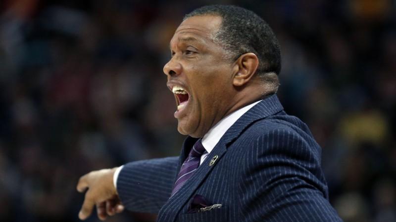 """""""Pelicans"""" pagarina līgumu ar Džentriju un mēģinās dabūt arī otro izvēli draftā"""