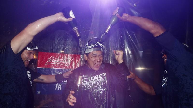 """""""Yankees"""" tiek pie 100. uzvaras sezonā un triumfē Austrumu divīzijā"""