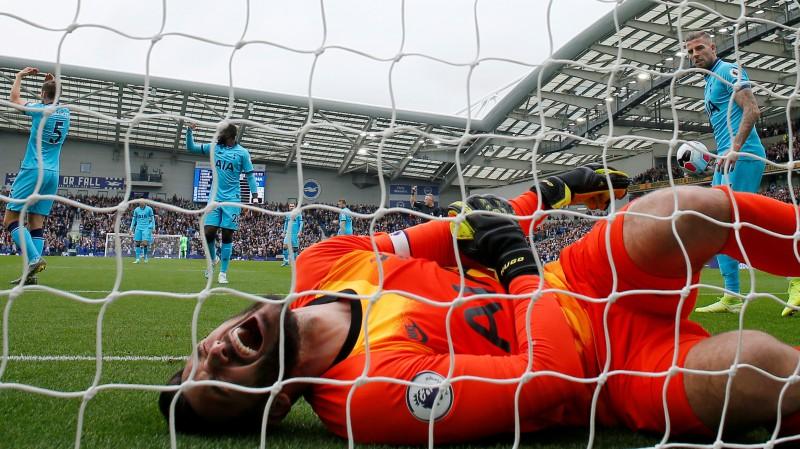 """""""Tottenham"""" vārtsargs Loriss pārcietis elkoņa operāciju"""