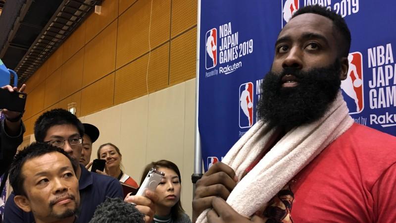 """NBA izmisīgi sargā Ķīnas tirgu - Hārdens atvainojas par """"Rockets"""" GM tvītu"""