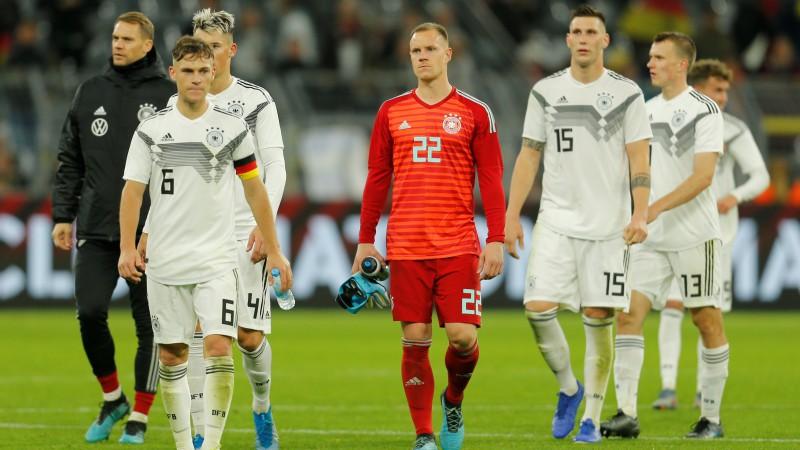 Vācija Dortmundē izlaiž divu vārtu pārsvaru un spēlē neizšķirti ar Argentīnu