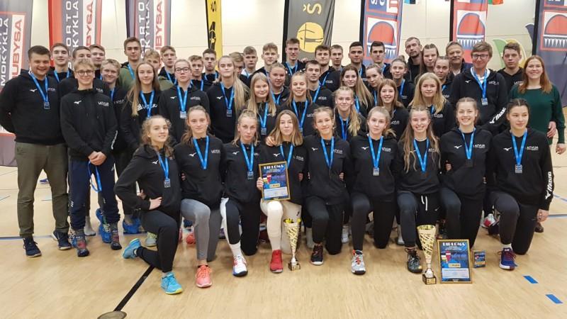 Latvijas jauniešu un junioru izlasēm trīs otrās vietas Baltijas kausā volejbolā