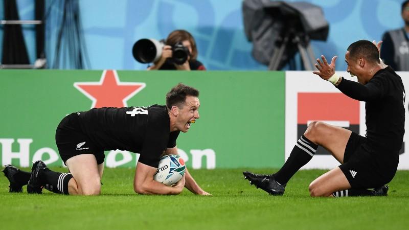 """""""All Blacks"""" Pasaules kausu noslēdz ar pārliecinošu uzvaru un trešo vietu"""