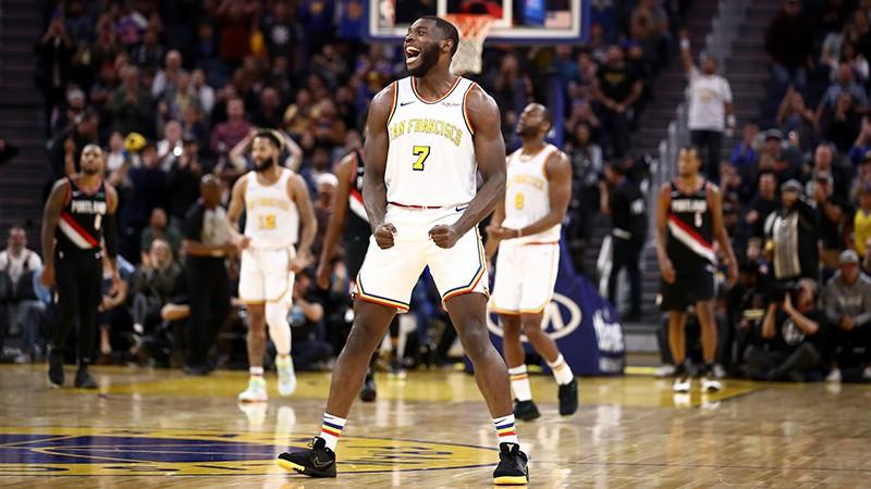 """""""Warriors"""" debitants Paskals iemet 36 uzvarā pār Portlendu, """"Suns"""" turpina pārsteigt"""