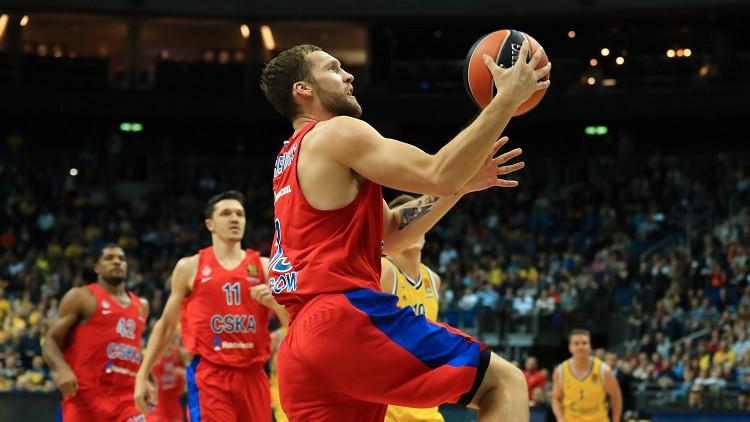Šmits turpina uzvaru gājienu, Strēlniekam 11 punkti CSKA zaudējumā