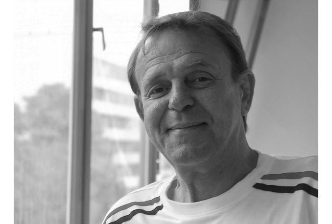 """Latvija šodien atvadās no """"Helsinki 86"""" dibinātāja Raimonda Bitenieka"""