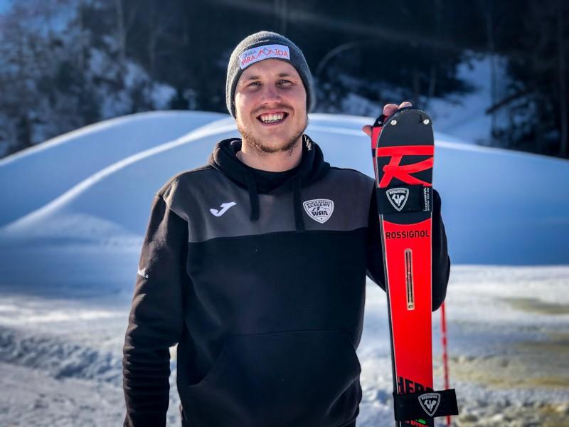 Miks Zvejnieks izcīna 7. vietu FIS slalomā Vācijā