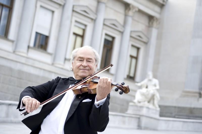Rīgā uzstāsies Štrausa festivāla Vīnes orķestris
