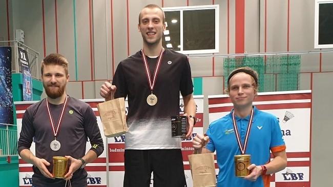 Latvijas čempionātā badmintonā titulus nosargā Podosinoviks un Lencēviča & Romanova