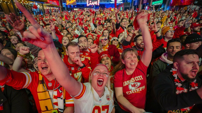 """""""Chiefs"""" uzvaru """"Super Bowl"""" ASV ir vērojuši 99.9 miljoni skatītāju"""