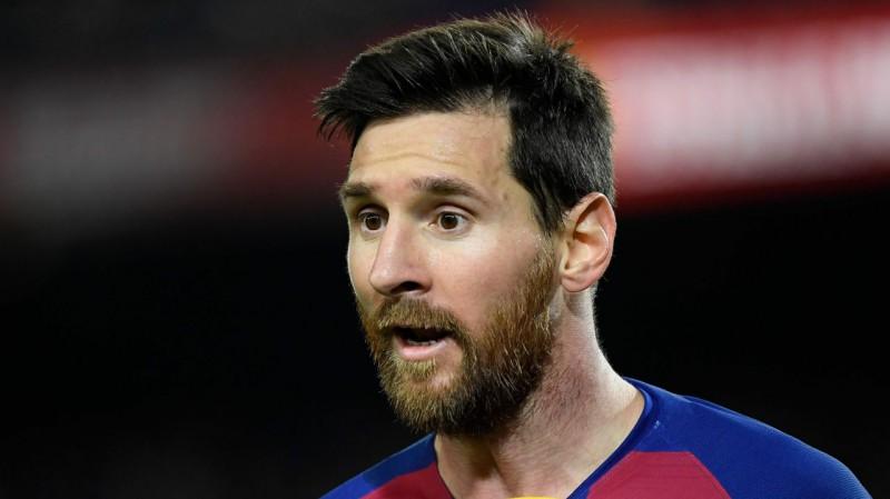 """""""Barcelona"""" spēlētāji noraida ideju par algu samazināšanu, vadība izmantos īpašo plānu"""