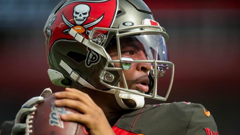 NFL neprecīzo piespēļu līderis Vinstons veicis redzes korekciju