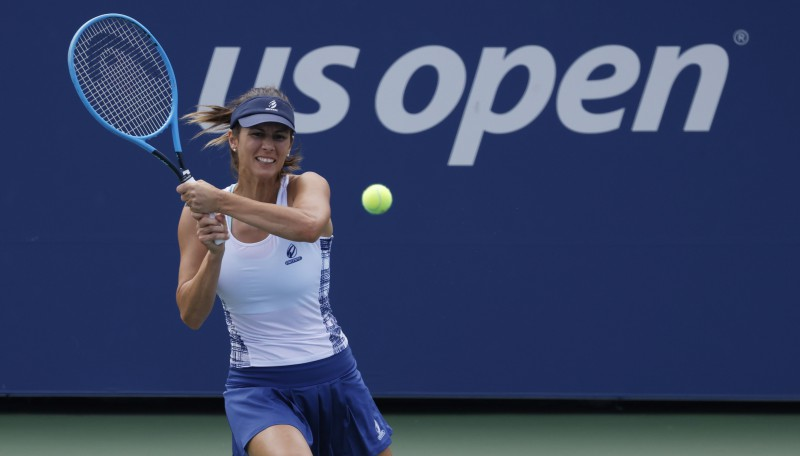 "Pironkova pieveic ""US Open"" neveiksminieci Mugurusu, Azarenka sagrauj Sabaļenku"