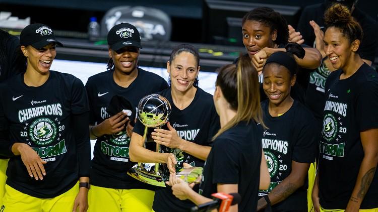"""Sietlas """"Storm"""" pirms Laksas ierašanās izcīna ceturto WNBA titulu"""