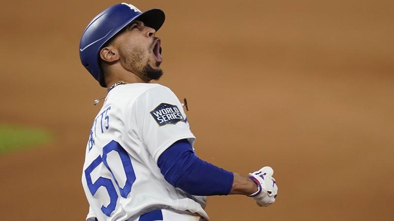 """Losandželosa - čempionu pilsēta: """"Dodgers"""" triumfē Pasaules sērijā"""