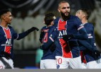 """Neimārs atgriežas sākumsastāvā, PSG tikai otrajā puslaikā pieveic """"Angers"""""""