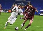 """Pārtrūkst """"Lyon"""" 16 nezaudēto spēļu sērija, PSG dala pirmo vietu ar """"Lille"""""""