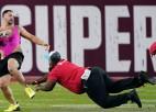 Video: Puspliks cilvēks NFL finālā izskrien laukumā