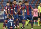 ''Barcelona'' zaudē pavedienu otrajā puslaikā un vērtīgus punktus cīņā par titulu