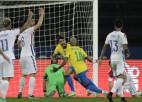 """Brazīlija mazākumā nosargā uzvaru un sasniedz """"Copa America"""" pusfinālu"""