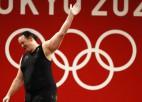 Ķīnas jaunā svarcēlāja Li dominē, pirmoreiz OS sacensībās piedalās transpersona