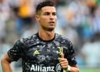 """""""Juventus"""" paziņo, ka Ronaldu transfēra cena bija 15+8 miljoni eiro"""