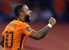 Nīderlande ar 6:1 sagrauj Turciju; Holannam <i>hat-trick</i>; Dānijai bilance 22:0