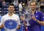 "Džokovičs nepārvar ""Grand Slam"" pēdējo barjeru, Medvedevs iegūst pirmo titulu"