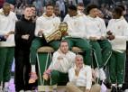 """""""Bucks"""" saņem čempionu gredzenus un pārspēj """"Nets""""; """"Warriors"""" uzvar """"Lakers"""""""