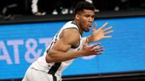Adetokunbo nobloķē un triumfē NBA izslēgšanas spēļu momentos