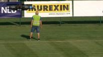 Latvijas komandas Čempionu līgas spēli pārtrauc, jo laukumā parādījusies čūska