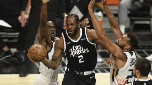 Lenardam un Džordžam kopā 65 punkti, ''Clippers'' izcīna pirmo uzvaru sērijā
