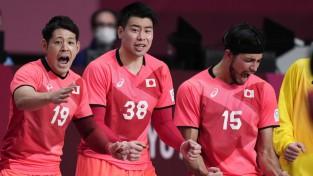 Bahreina <i>ielec</i> 1/4-finālā, Zviedrija apbēdina olimpisko un pasaules čempioni