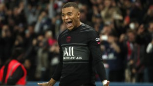 Apšaubāms VAR lēmums atkal palīdz PSG izraut smagu uzvaru Francijas čempionātā