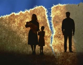 Kā runāt ar bērnu par tēvu, kura nav viņa dzīvē?