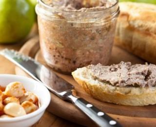 4 garšīgas uzkodu receptes no sacietējušas maizes