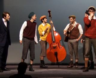 """Dzīvs komikss un dzīvā mūzika! Leļļu teātrī Ģirta Šoļa režijā top """"Emīls un Berlīnes zēni"""""""