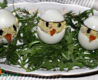 Pūpolsvētdienas uzkodas. Pildītas olas - cālēni