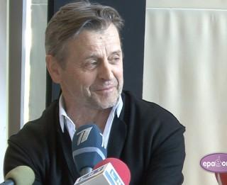 Video: Mihails Barišņikovs viesosies Rīgā ar spilgtu monoizrādi