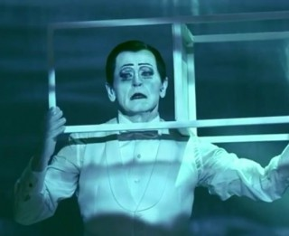 """Uz Barišņikova jaunāko monoizrādi """"Vēstule cilvēkam"""" jau pārdotas teju puse pieejamās biļetes (+VIDEO)"""