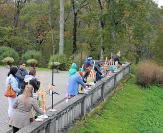 Sigulda netradicionālās vietās aicina gleznot zelta rudeni