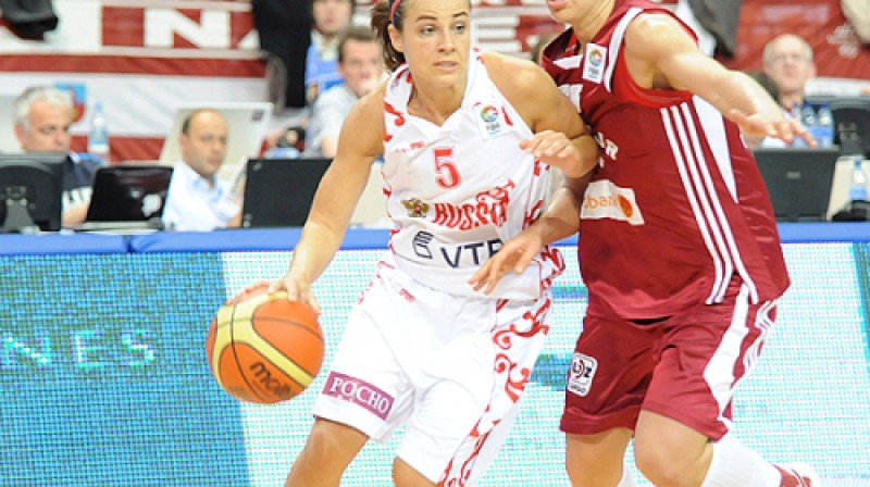 Bekija Hamona pret Aneti Jekābsoni - Žogotu. Foto: fibaeurope.com