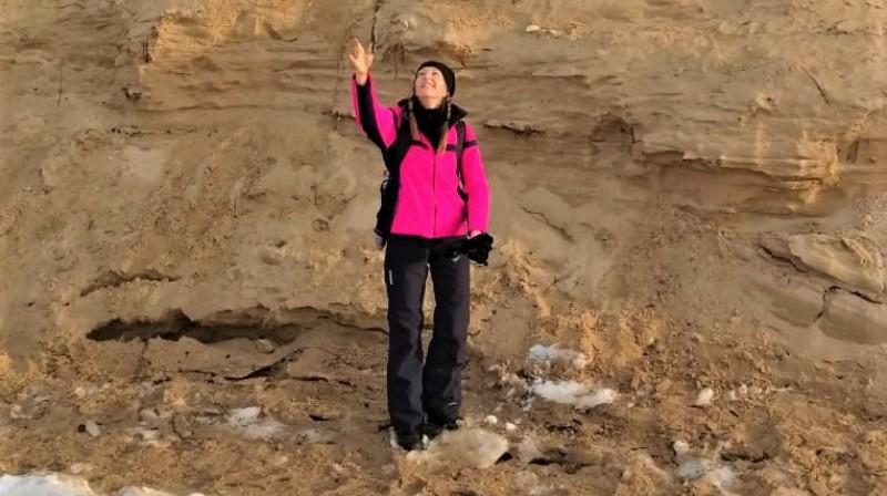 Pirmā posma rekordiste Linda Ērmane svētdienas pārgājienā no Mangaļsalas uz Gaujas ieteku. Foto no personiskā arhīva