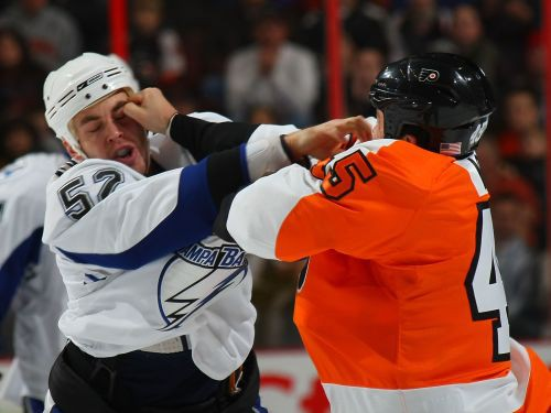 """""""Neftehimik"""" papildinās ar NHL spēlētāju Smolenaku"""