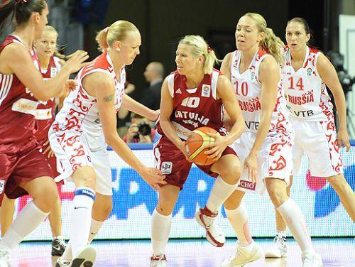 Latvija drāmā piekāpjas Eiropas čempionēm