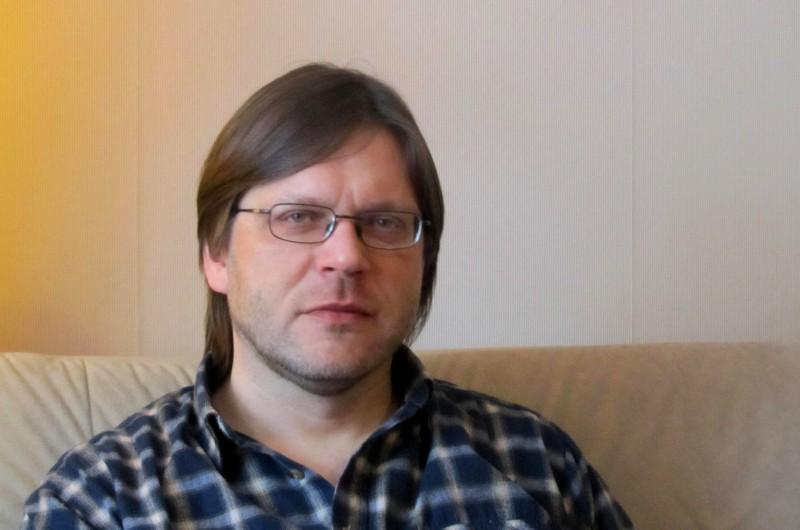 Jānis Elsbergs: Esmu līdzsvarā starp dzeju un mūziku