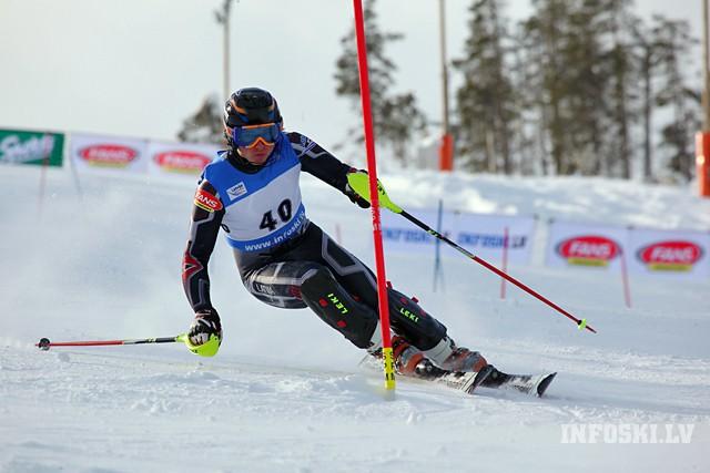 Latvijas izlases kalnu slēpotājs M.Onskulis trešais slalomā Irānā